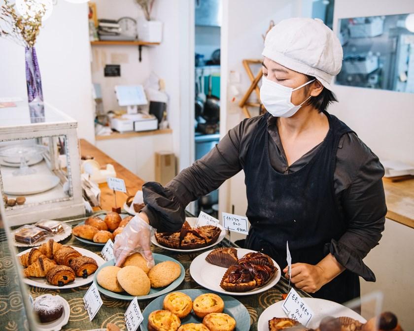 画像: 朝はのんびりスタートするそうで、パンが最も多く揃うのは、お昼過ぎの13時頃