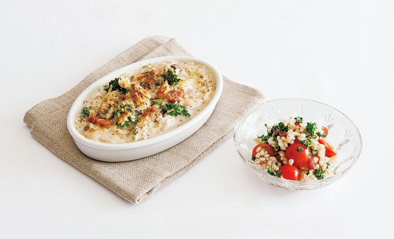 画像: 左から:ブロッコリーときのこのドリア/もち麦とトマトのサラダ