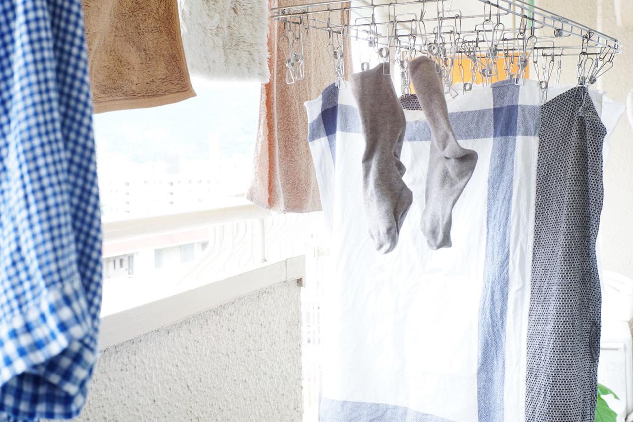 画像: 「無印良品」の2つのハンガーと洗濯ネット