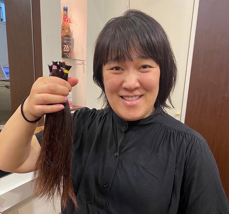 画像1: 短い髪の毛ほど……