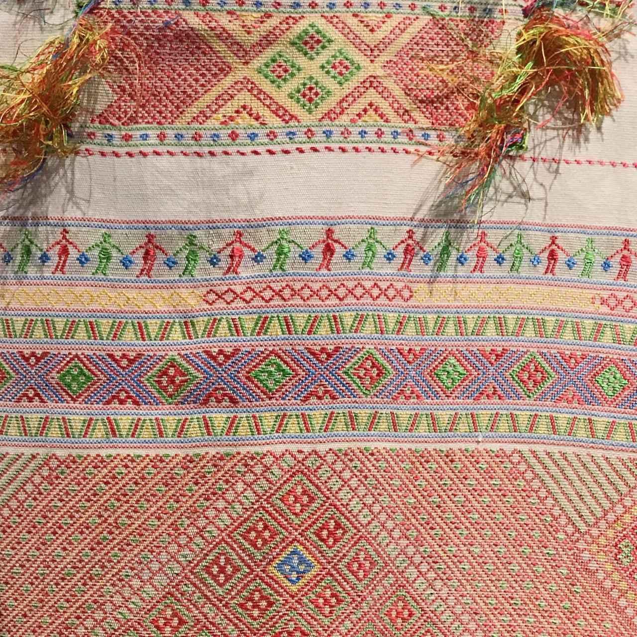 画像: 一目惚れして購入した美しい布