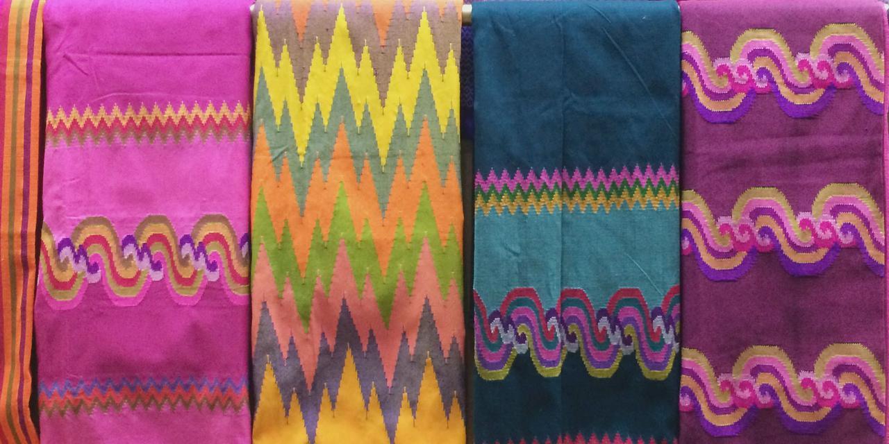 画像1: ミャンマーの暮らしを支える、女性たち「美しい手織りの布に魅せられて」/モリンガ・今野まやの「アジアの手仕事」