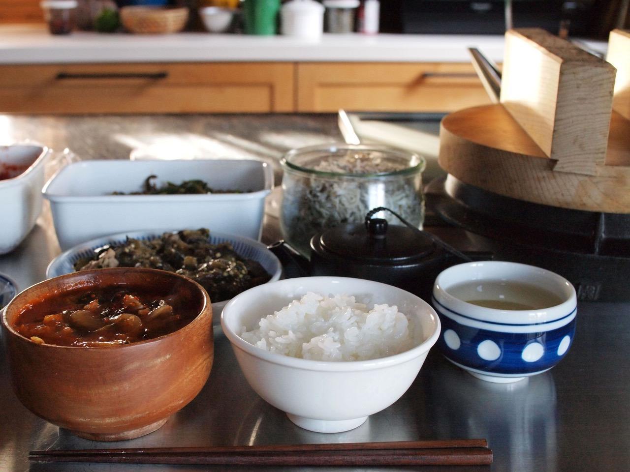 画像: 自分たちの手で収穫したお米は、何をおかずにしてもおいしいです