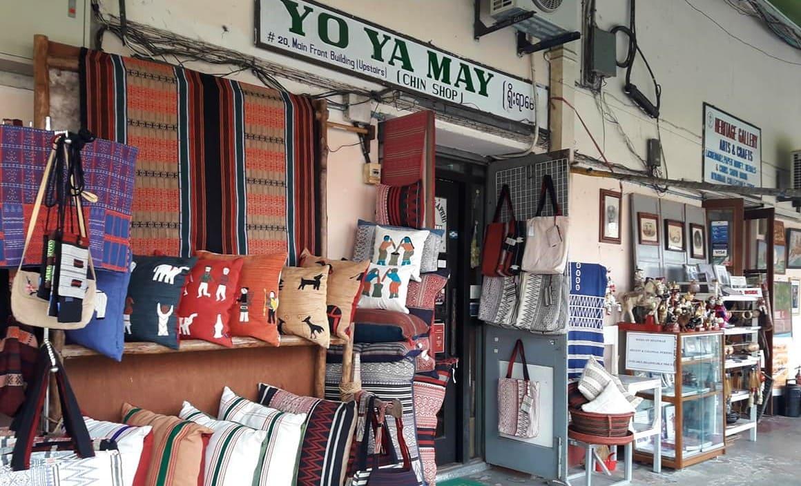 画像: チン族によって織られたクッションカバーやラグ、バックなどさまざまな布製品が集まります