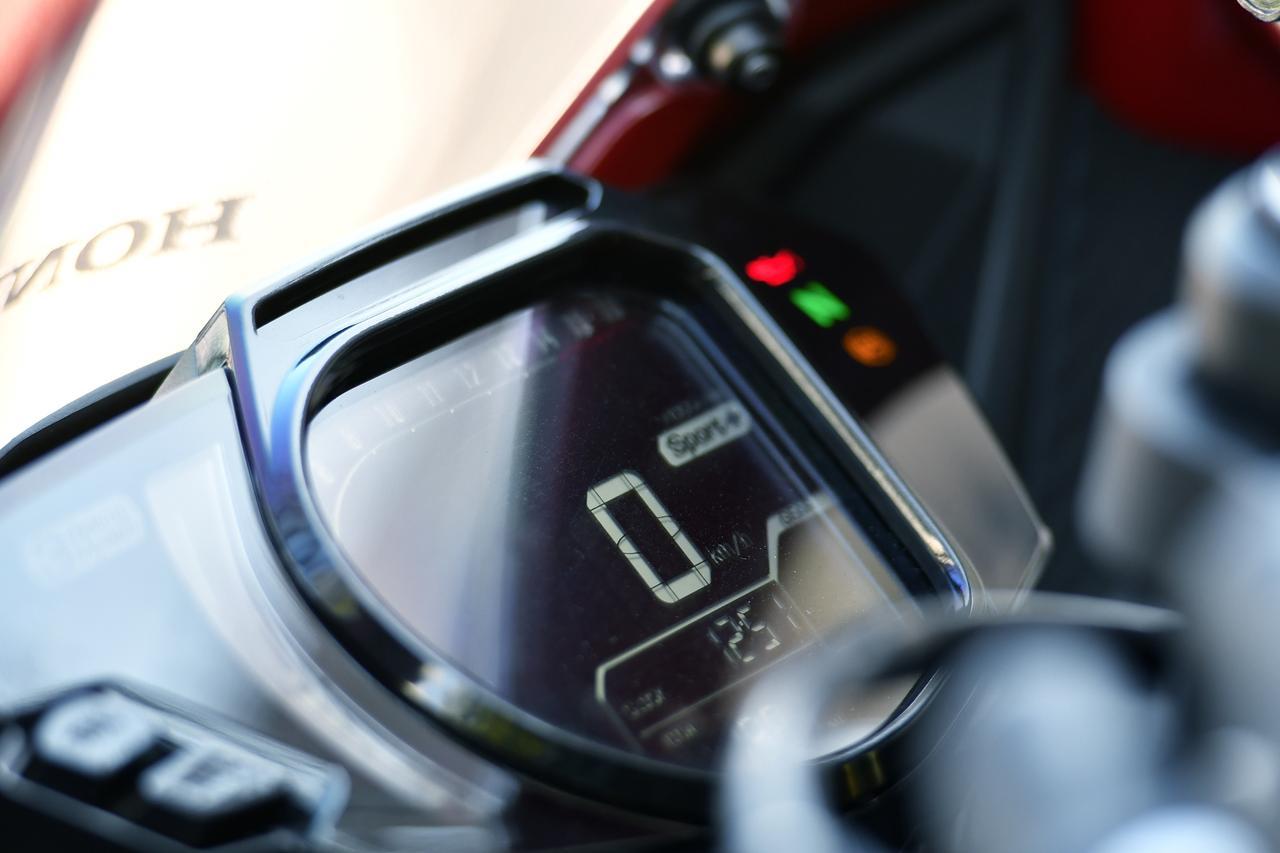 画像: パワーモードを「Sport +」にすると、これまでの250ccとは全然違うパワフルさを味わえます