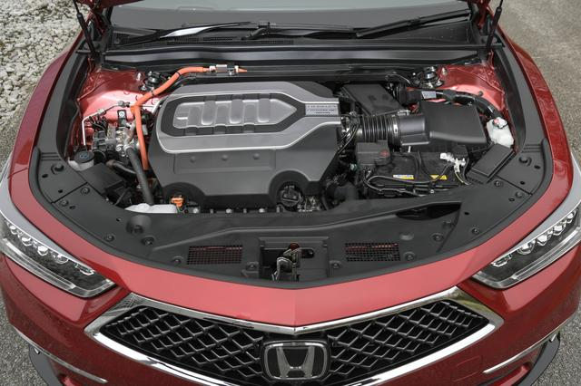 画像: 3.5L V6エンジンと3つのモーターを組み合わせたシステム最高出力は382ps、システム最大トルクは463Nmを発生する。