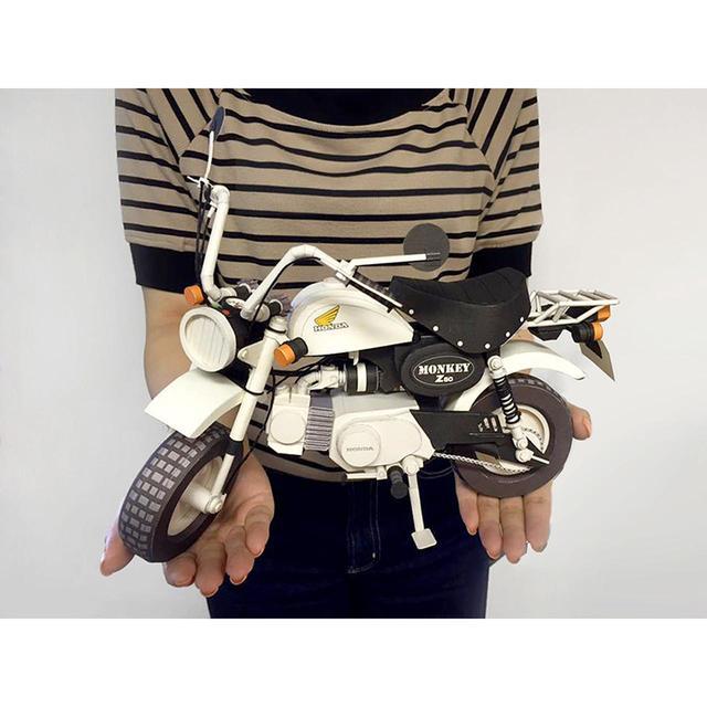 画像: ガレージに紛れ込ませたい!原寸サイズの約5分の1。ホンダモンキーのペーパークラフトが可愛すぎる。 - A Little Honda
