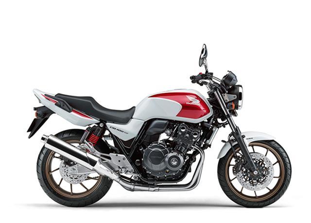 画像: CB400 SUPER FOURは、400ccの人気ロングセラーモデル。写真のパールサンビームホワイトは847,800円(税込)ですが、ソリッドカラーのグリントウェーブブルーメタリックとグラファイトブラックは、それぞれ815,400円(税込)とお安くなっております。 ←セールスマン口調? www.honda.co.jp