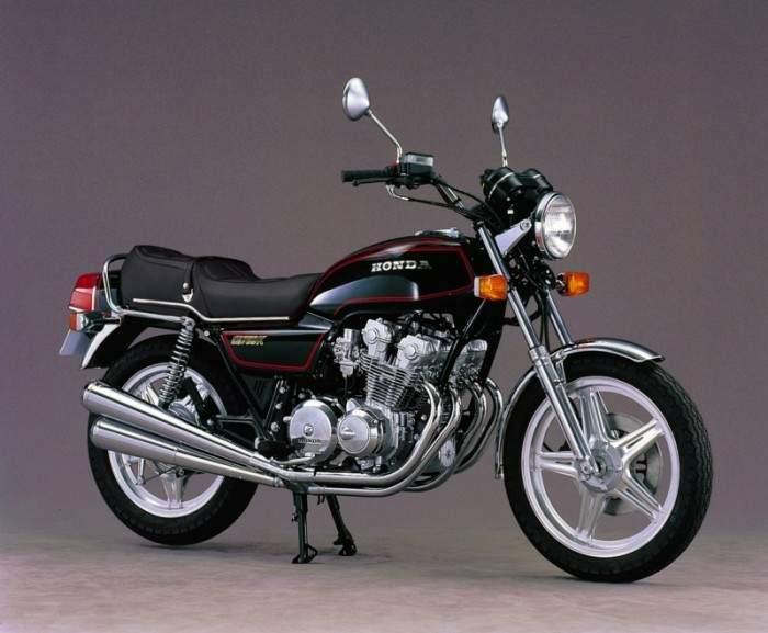画像: 旧型のOHC4気筒から、DOHC4気筒を搭載した1978年型のCB750K。プロダクトナンバーは「425」で型式(モデルコード)は「RC01」でした。 www.motorcyclespecs.co.za