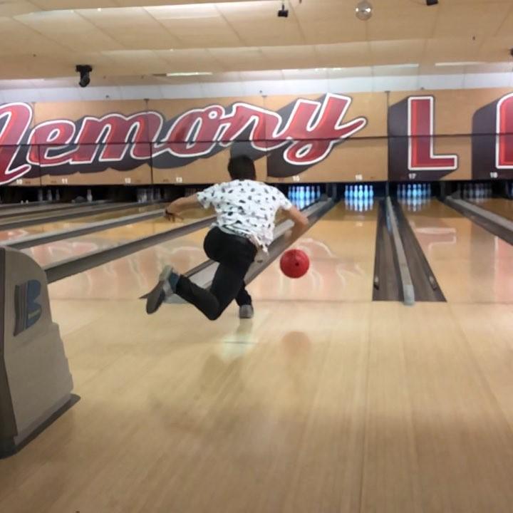 画像1: Marc MárquezさんはInstagramを利用しています:「Sunday afternoon Bowling in USA!! ???? #freestyle ????」 www.instagram.com