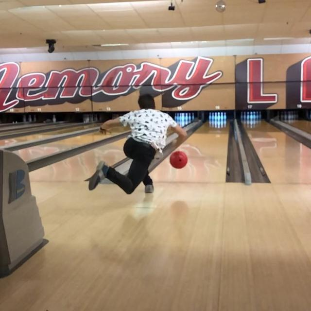 画像1: Marc MárquezさんはInstagramを利用しています:「Sunday afternoon Bowling in USA!! ???? #freestyle ????」 www.instagram.com