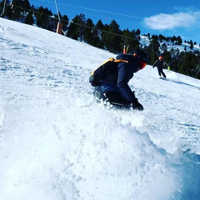 画像1: Marc MárquezさんはInstagramを利用しています:「#ski #slowmotion #winter」 www.instagram.com