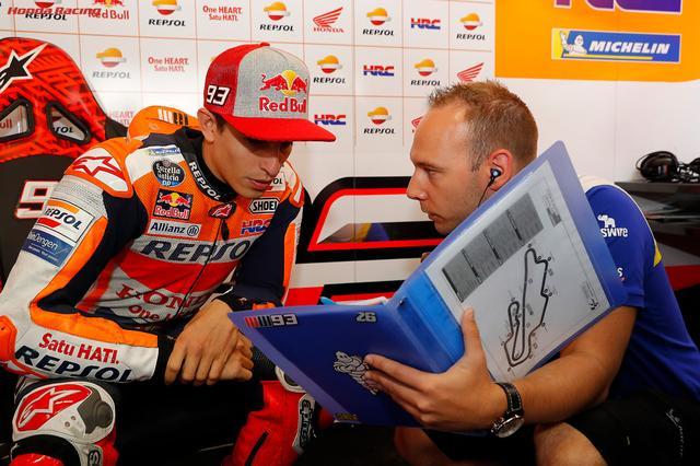 画像: 第6戦イタリアGPでは決勝転倒に終わったM.マルケス(ホンダ)ですが、これまで3勝をあげランキング首位の座を保っています。 www.honda.co.jp