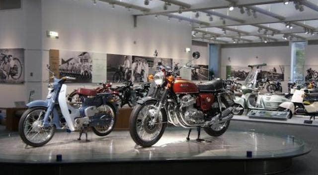 画像: Honda創業期からの歩みを象徴する二輪・四輪車の走行イベントを開催
