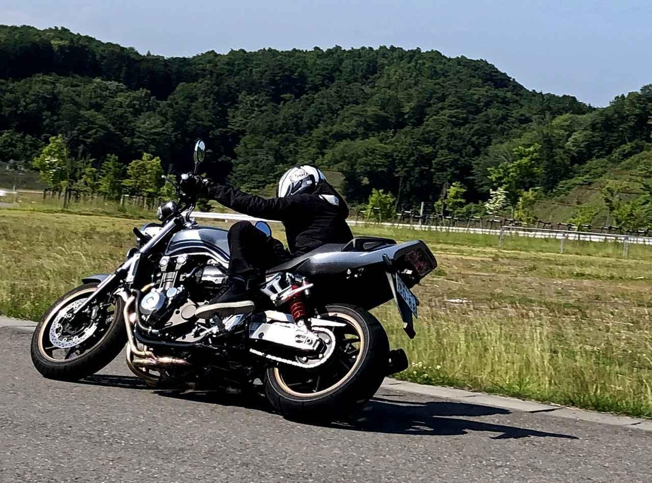 画像: 王者のハンドリングとは? 【ホンダオールすごろく/第7回 CB1300 SUPERFOUR その2】 - A Little Honda