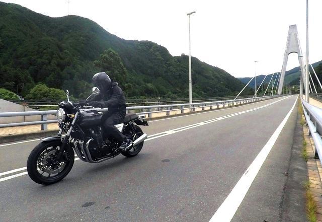 画像3: CB1000Rってこんなバイク!