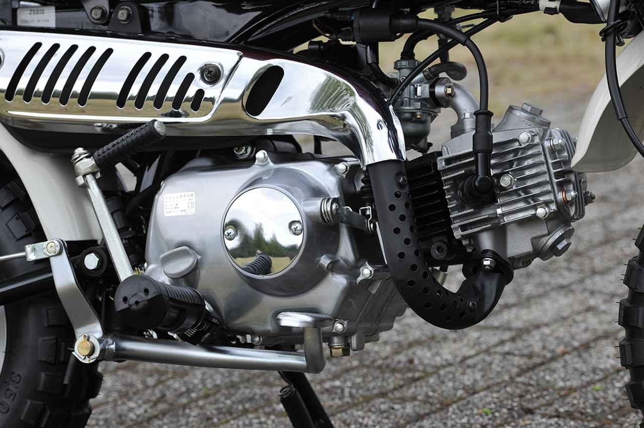 画像: スーパーカブ譲りのエンジン自体の基本的な構造もそのままだが、ブローバイガス還元装置が追加されている。