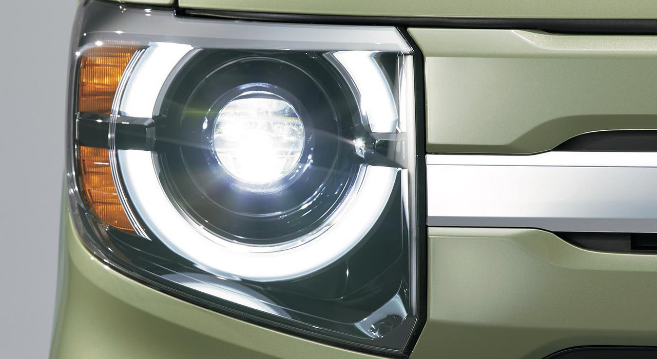 画像: ハイ/ローのLEDヘッドライトと、それを半円に囲むポジションランプを組み合わせて、つぶらな瞳をアレンジしています。キュート!