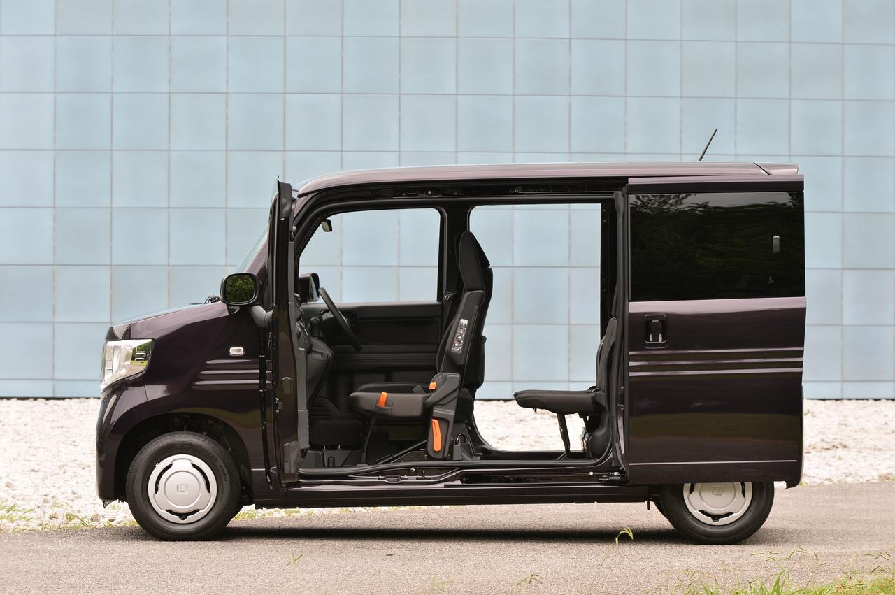 画像: ダブルビック大開口とホンダが呼ぶサイドドア。助手席側のピラーがないので車内へのアクセスはもちろん、荷物の積み降ろしも楽々。