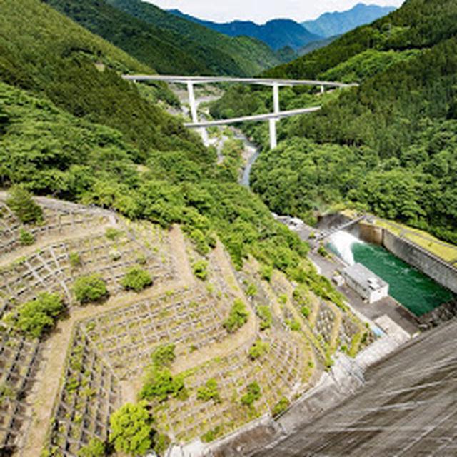 画像: 滝沢ダム