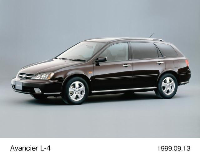 画像1: 仲間とドライブに行くなら5ドアワゴンのアヴァンシア(99~03)だ。