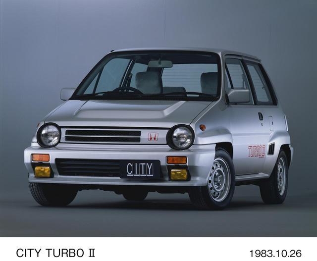 画像2: ガレージにしまっておいてコツコツとレストアを楽しみたいのが、初代シビックRS(74~79)とシティターボⅡ(83~86)だ。
