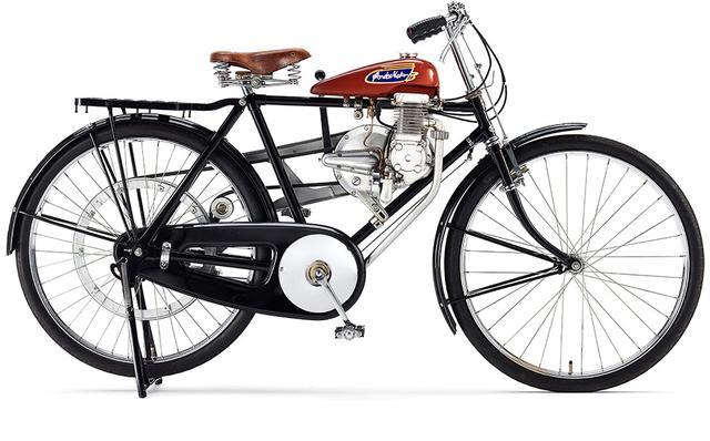 画像: ホンダの最初の製品・・・A型(1947年)。 www.honda.co.jp