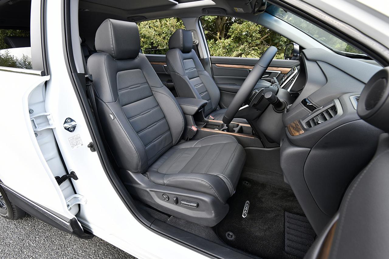 画像: マスターピースはレザーシートが標準。さらに運転席に加え助手席もパワーシートとなる。