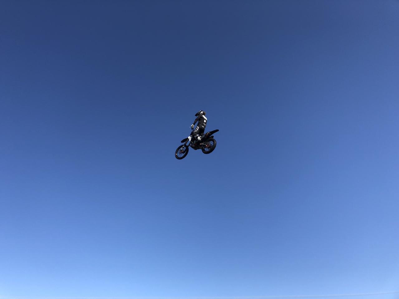画像3: MotoGP初潜入!