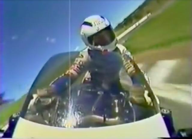 画像: GoProのない時代の車載映像ですが、複数のカメラを使って迫力ある映像に仕上げています。BGMもじつに? '80年代なカンジです・・・。 www.youtube.com