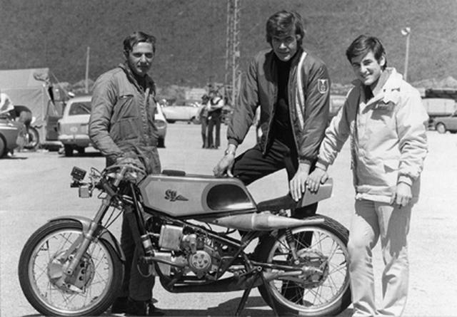 画像: SMZ 250とS.シュレーゲル、D.ブラウン、そしてA.マンク(左から)。 www.solitude-revival.org