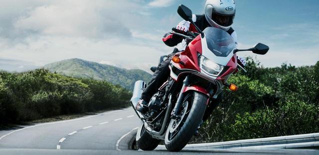 画像: Honda公式サイトより/CB400 SUPER BOL D'OR /税込1,021,680円~ www.honda.co.jp