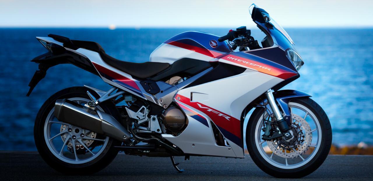 画像: とにかく本格的でカッコ良いですよね〜! Honda公式サイトより/VFR800F www.honda.co.jp