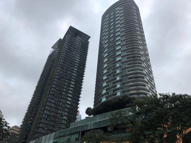 画像: 高層ビルが立ち並ぶクアラルンプール市内。