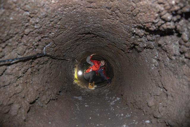 画像5: 船津胎内樹型(洞窟)へ到着いたしました