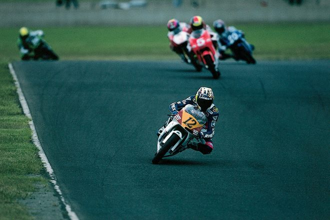画像: 1995年の世界ロードレースGP125ccクラスで戦った青木治親。 global.honda