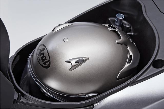 画像: HONDA公式さいとより/車体色はランベントシルバーメタリック www.honda.co.jp