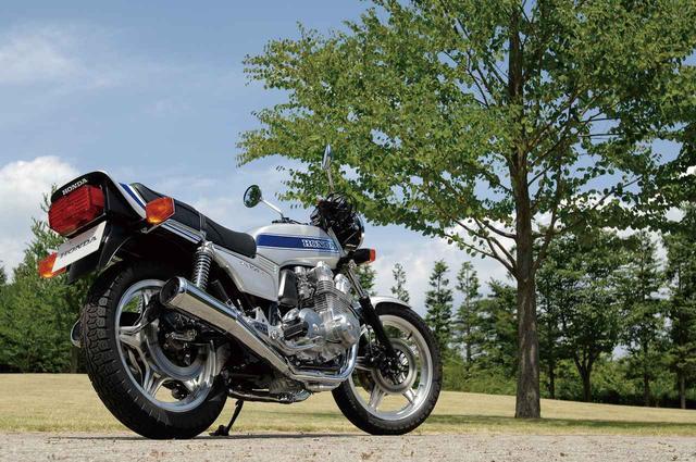 """画像: 世界を唸らせた並列4気筒エンジンバイク、CB750FOUR。 【覚えておこう!""""CB""""栄光の歴史vol.6】 - A Little Honda"""