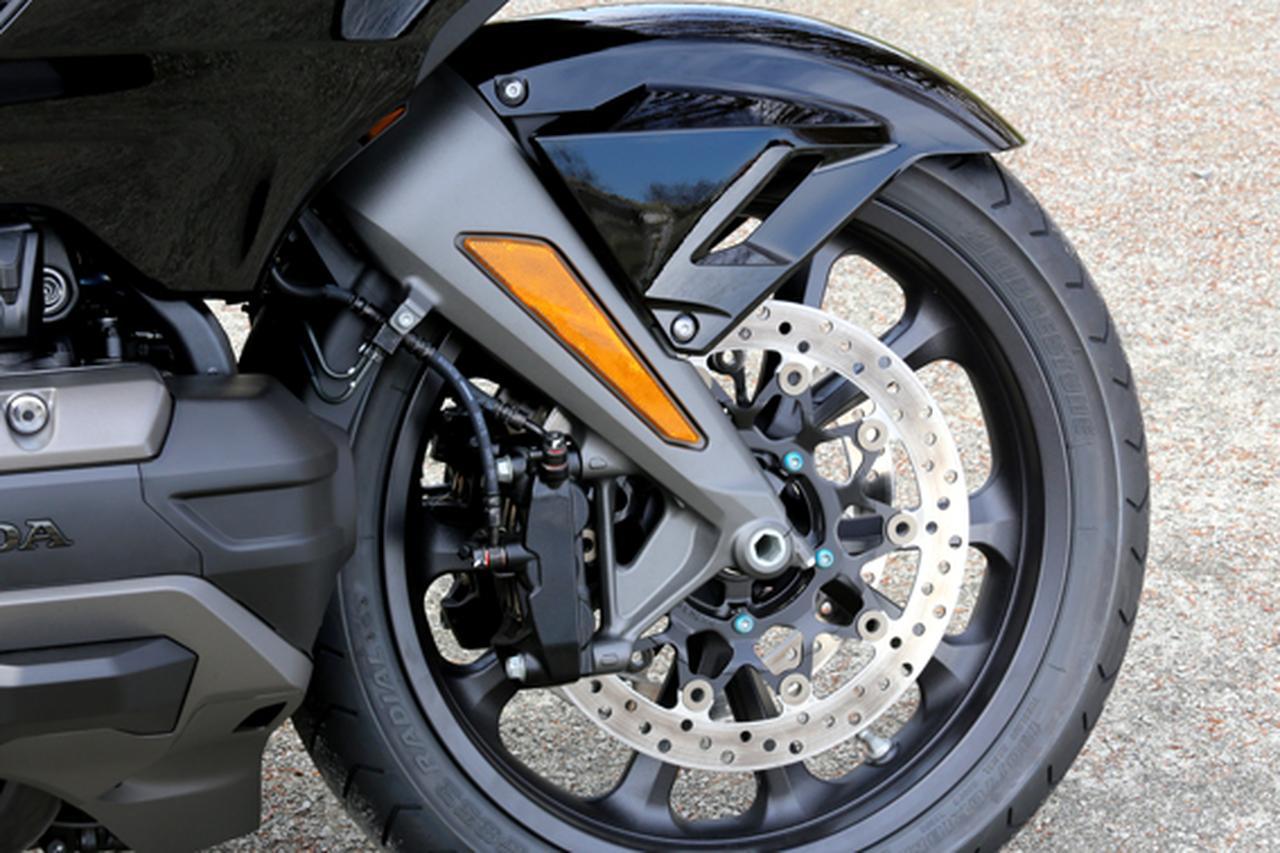 画像8: 250ccのバイクが7台分以上の排気量!? だけど、1秒で世界がひっくり返る。【ホンダオールすごろく/第24回 ゴールドウイング・DCT】