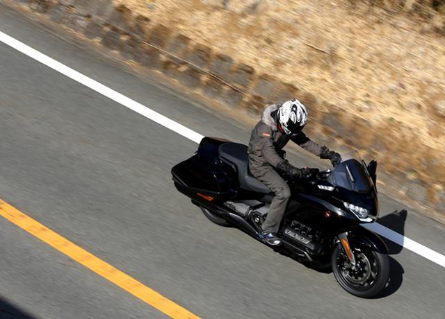 画像14: 250ccのバイクが7台分以上の排気量!? だけど、1秒で世界がひっくり返る。【ホンダオールすごろく/第24回 ゴールドウイング・DCT】