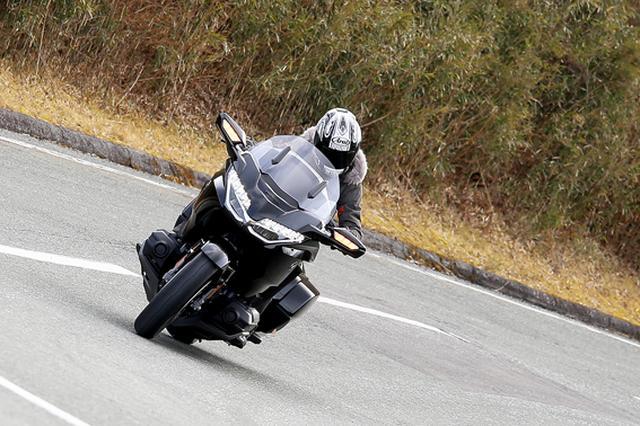画像9: 250ccのバイクが7台分以上の排気量!? だけど、1秒で世界がひっくり返る。【ホンダオールすごろく/第24回 ゴールドウイング・DCT】