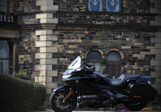 画像28: 250ccのバイクが7台分以上の排気量!? だけど、1秒で世界がひっくり返る。【ホンダオールすごろく/第24回 ゴールドウイング・DCT】