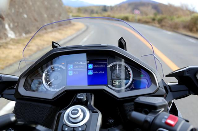 画像13: 250ccのバイクが7台分以上の排気量!? だけど、1秒で世界がひっくり返る。【ホンダオールすごろく/第24回 ゴールドウイング・DCT】