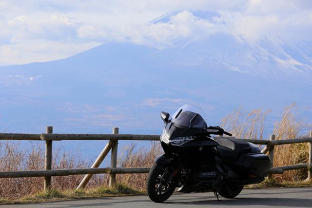 画像11: 250ccのバイクが7台分以上の排気量!? だけど、1秒で世界がひっくり返る。【ホンダオールすごろく/第24回 ゴールドウイング・DCT】