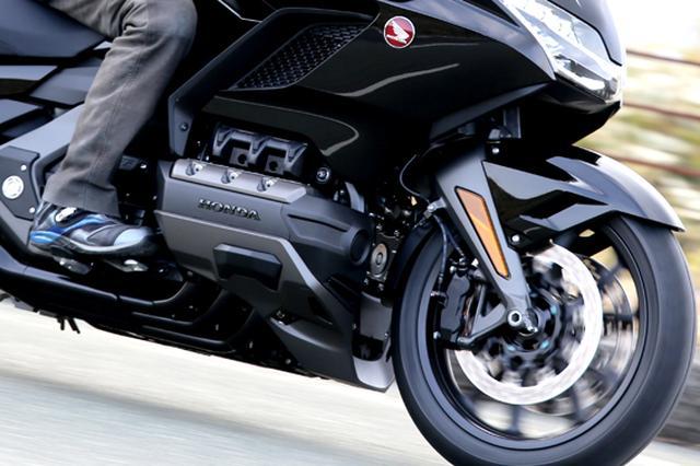 画像6: 250ccのバイクが7台分以上の排気量!? だけど、1秒で世界がひっくり返る。【ホンダオールすごろく/第24回 ゴールドウイング・DCT】
