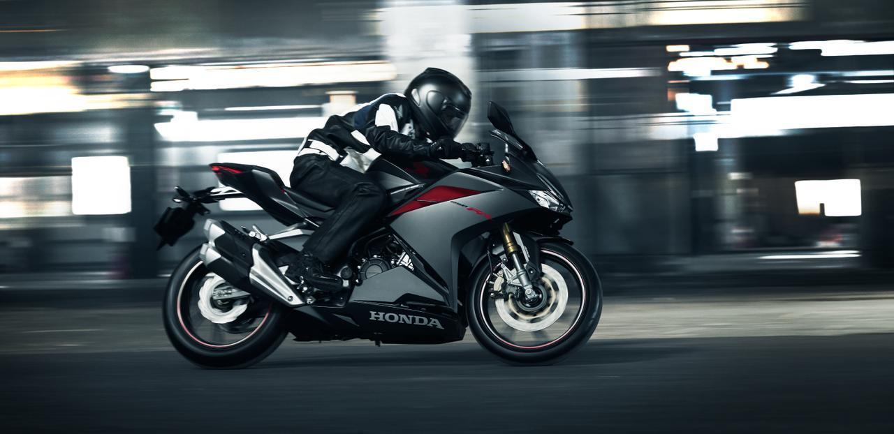 """画像: ホンダCBR250RRを""""高い""""って思っているあなたへ! - A Little Honda"""