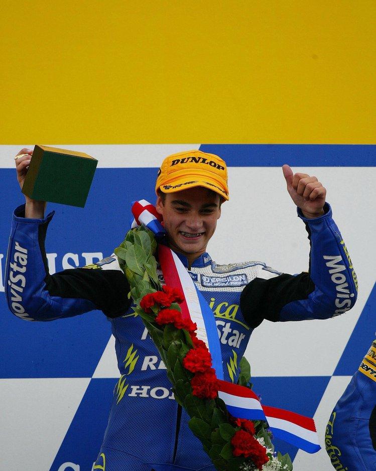 画像: 2002年、オランダGPでキャリア初優勝(125ccクラス)を記録したD.ペドロサ。 www.redbull.com