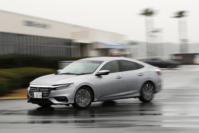 画像: ホンダの2モーターハイブリッドシステムを搭載する最新モデルのインサイトでエコラン競争も開催された。