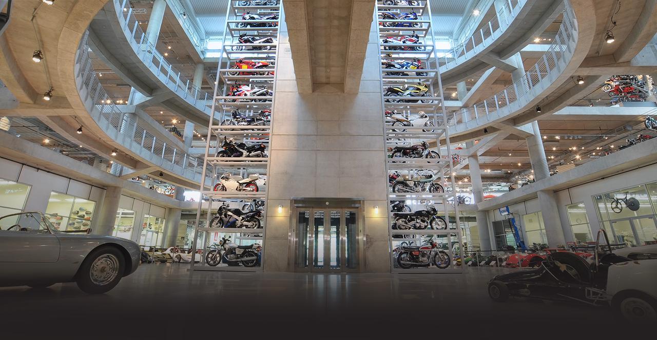 画像: 綺羅星のような2&4のレーシングマシン&公道車が、バーバーモータースポーツミュージアムには展示されています。 www.barbermuseum.org