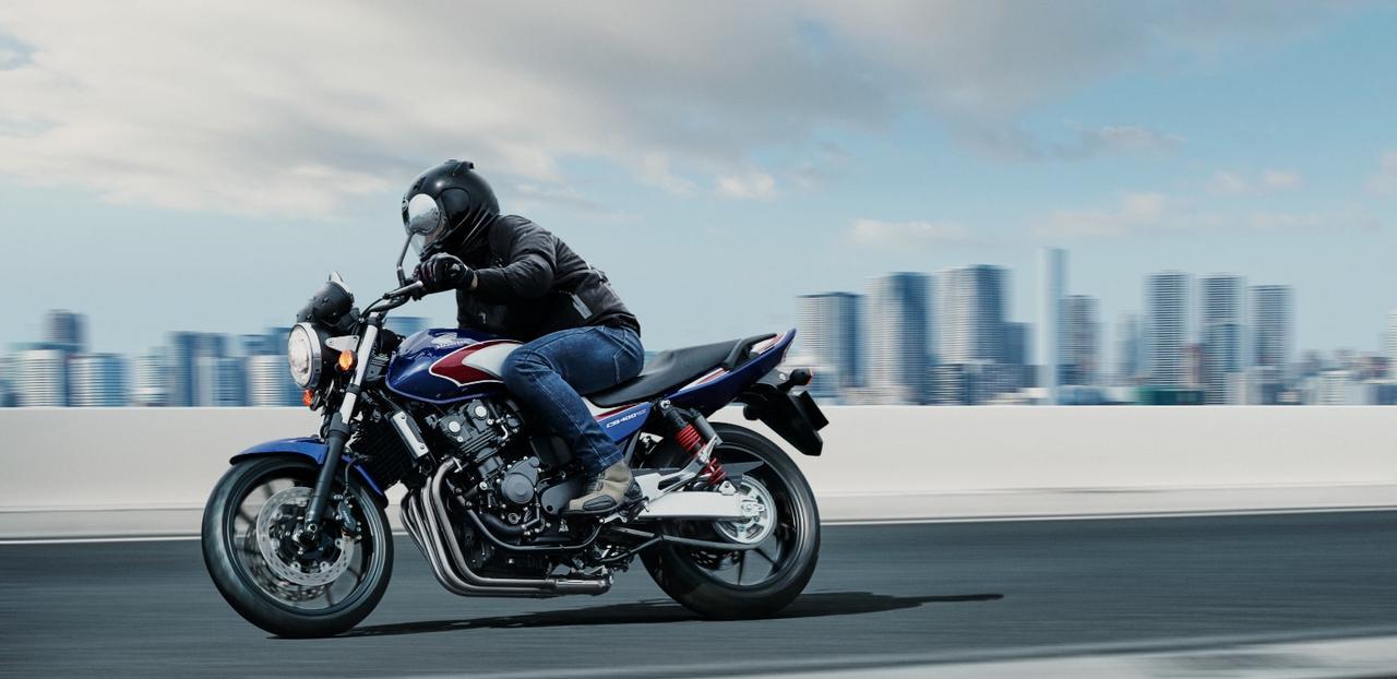 画像: CB400 SUPER FOUR www.honda.co.jp